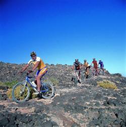 Pasear en bicicleta de montaña en Fuerteventura